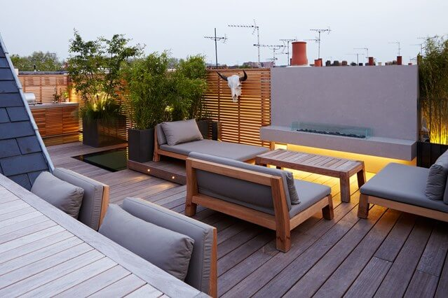 Your guide to building a roof terrace with flat roof tiles for Terrace kitchen garden ideas